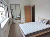 Ensuite double bedroom in the new apartment in Sutton high street