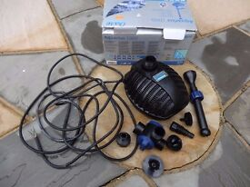 Compact Pond or feature fountain pump Oase Aquarius 1000 3 x pattern options excellent working order