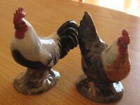 Pottery chicken cruet set