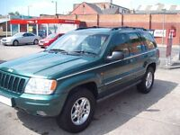 BEAUTIFUL JEEP GRAND CHEROKEE LIMITED EDITION 4.7 V8 4X4 AUTO LOADS OF HISTORY