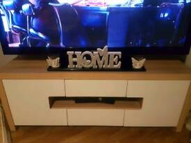 Wood effect with high gloss TV Unit