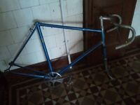 VINTAGE SUN RACER ROAD BIKE FRAME AND FORKS (PROJECT), 23.5 inch FRAME