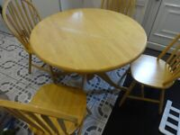 ROUND WOODEN TABLE/4 MATCHING CHAIRS