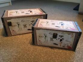 2 x Chic Storage Boxes with metal clasps