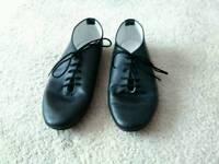 Girls jazz shoes size 2