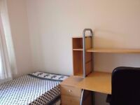 Double room Medium sized available for rent - available