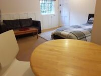 Furnished, comfortable large room/ bedsit, centrally heated, recently decorated in Faringdon Town