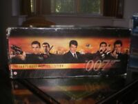 The-James-Bond-007-Collection-19-TAPES-Widescreen-VHS-Video-Box-Set