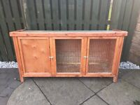 Pets at Home Heather Rabbit Hutch, 3 months old, in good condition, local collection from Menstrie.