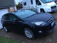 Ford Focus estate titanium 2012 Black 1.6 petrol MOT Untill February 2019