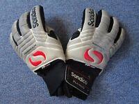 Sondico Aquaspine Elite goalkeeper goalie gloves