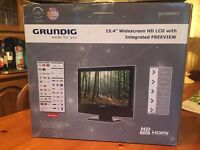 """15.4"""" Widescreen HD LCD with Integrated FREEVIEW"""