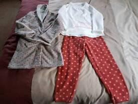 Girls vertbaudet pyjamas & dressing gown age 5
