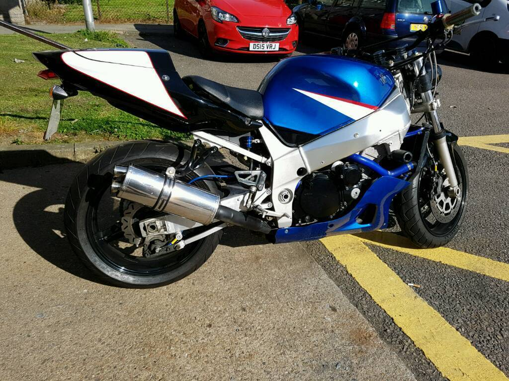 2001 suzuki gsxr 600 k1 streetfighter spares or repair in aberdeen gumtree. Black Bedroom Furniture Sets. Home Design Ideas