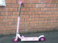 HELLO KITTY SCOOTER