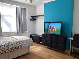 Double Size Room TootingBroadway/Mitcham