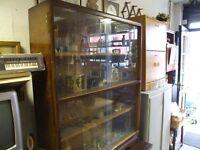 RETRO GLASS BOOKSHELF / CABINET
