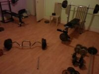 Multi-gym 3 benches + around 350 kg Olympic and plastic plates
