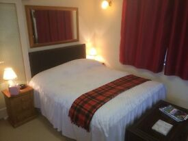 Large en-suite double bedroom near Inverness, all services included