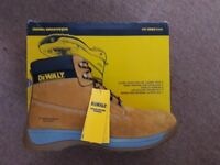 DeWalt Bolster Safety Boots Honey Size 12 BRAND NEW