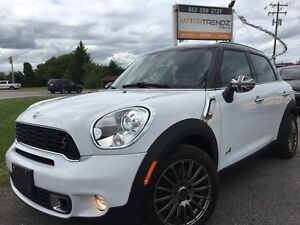 2012 Mini Cooper S Countryman Wow! NAV, Auto, Leather Trimmed...