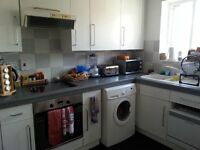 2 bed flat on Cheshire Street, near Brick Lane. Double bedrooms, fully furnished, available 1st Sep
