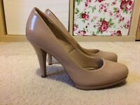 Size 5.5 Marks & Spencer insolia nude court shoes