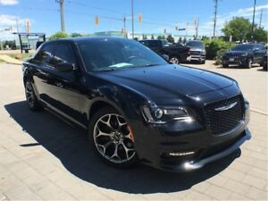 2017 Chrysler 300 S**5.7L HEMI**LEATHER**PANORAMIC SUNROOF**