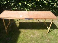 Wallpaper bench/ workbench/ car boot table
