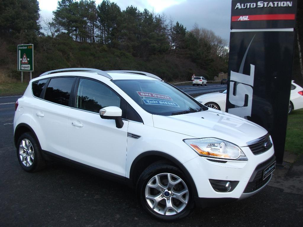 ford kuga 2 0 tdci 140 zetec 5dr 4wd app pack white 2011 in elgin moray gumtree. Black Bedroom Furniture Sets. Home Design Ideas