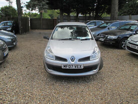 RENAULT CLIO 1.2 PETROL 3 DOOR WARRANTED LOW MILES 1 YEAR MOT 2 FORMER KEEPERS SERVICE HISTORY 2 KEY