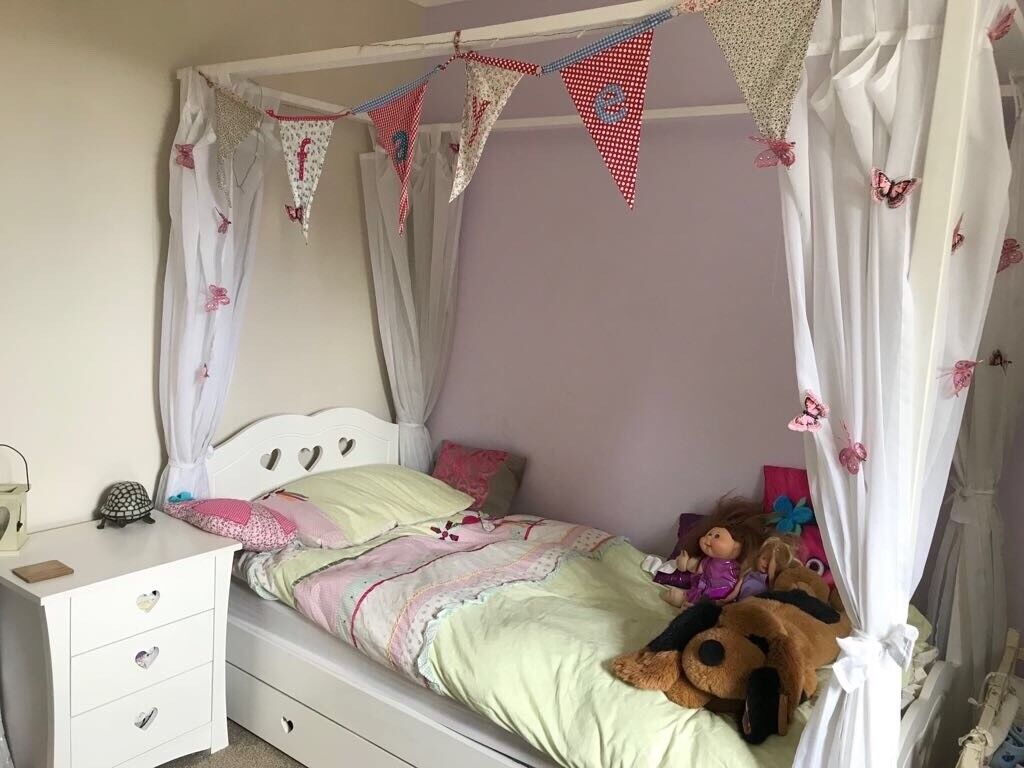 Children S White Single Four Poster Bed