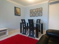 2 Bedrooms fully furnished flat to rent - 2 mins from Buchanan Bus station - £775/month
