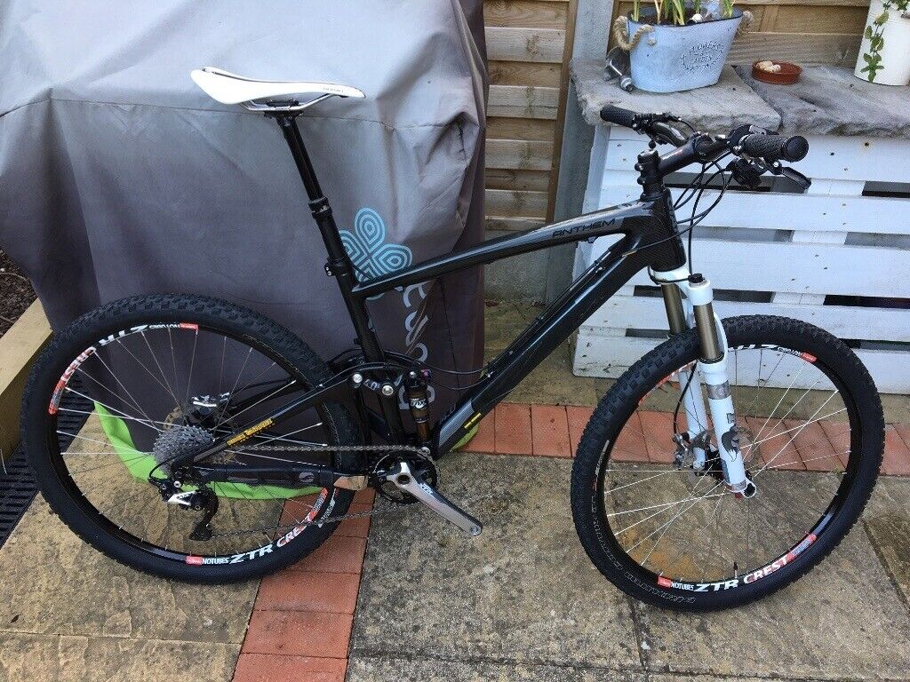 ca1c1d613eb GIANT ANTHEM X ADVANCED SL 0 FULL CARBON MOUNTAIN BIKE - ONLY TWO RIDES