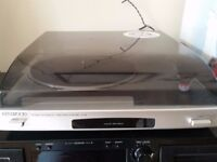 Stereo hi-fi SONY (Amp, radio, vinyl, cassette and 2 Sony SS-A70 speakers)