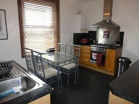 Amazing 2 bed garden house!! Croydon avaiable immediately!!!