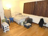 CHARMINGLY LARGE FURNISHED STUDIO IN SERVICED BLOCK - SE14 - MUST SEE !