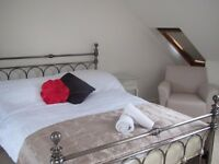 Double Bed in Rooms Available for Workers in Elegant House with Garden in Clapham, London