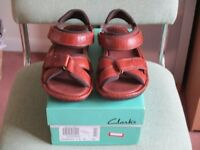 Clarks men's brown sandals size 9