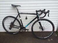 Kinesis Crosslight Pro6 Disc Cyclocross bike 57cm Black Carbon Fork