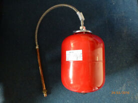 Imera 8 litre expansion vessel. IIE RE00R01BD0.