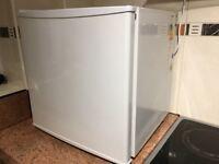 Tabletop freezer, very good condition