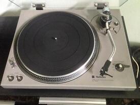 Technics SL-1500 turntable record player
