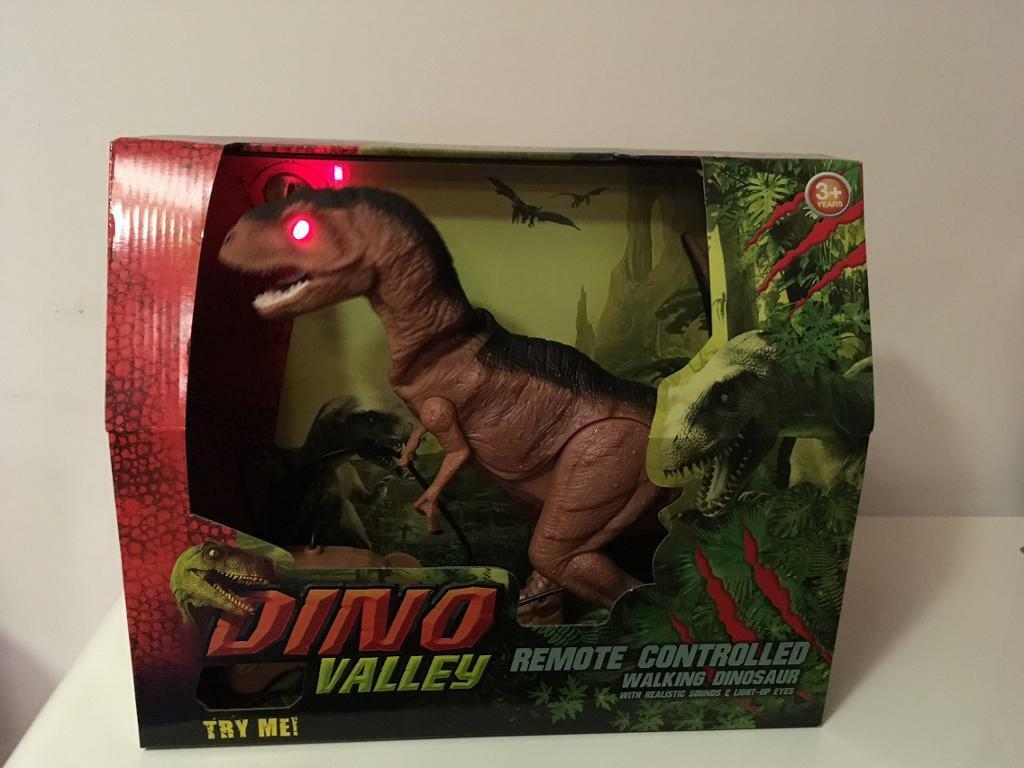 Dino Valley remote control dinosaur