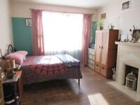Large Double bedroom in friendly large flat