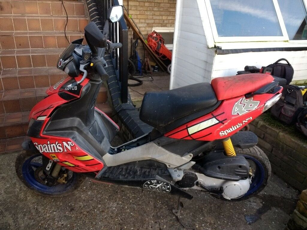 aprilia sr 50 r in royston cambridgeshire gumtree. Black Bedroom Furniture Sets. Home Design Ideas