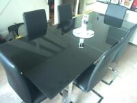 6/8 Black Gloss Dining Table