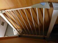Lindam baby / child safety gate