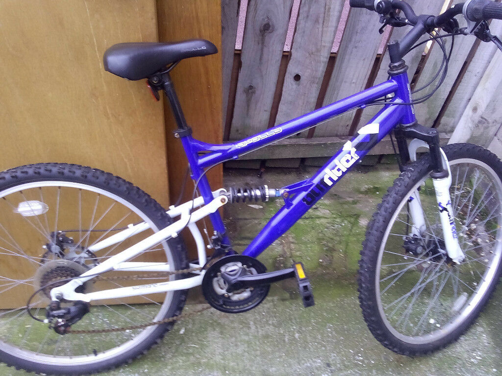 mans apollo outrider mountain bike 26 inch wheels 20 inch frame quick sale £100
