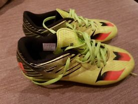 Adidas messi 15.4 boots with studs size 3